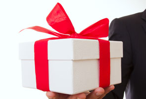 Gift Giving Customs around the World