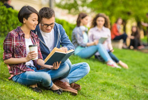 How to Engage with Students at University Open Days